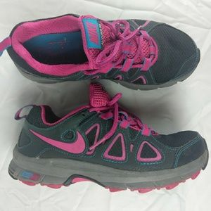 Nike Alvord 10 Size 6 Womens Shoes
